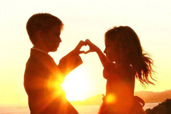 heart-mudra-2-children-sun