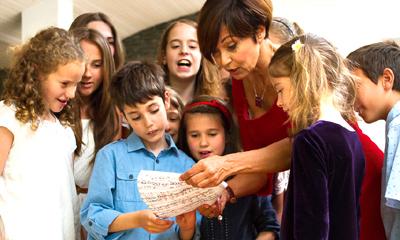 Pápai Erika a gyerekekkel