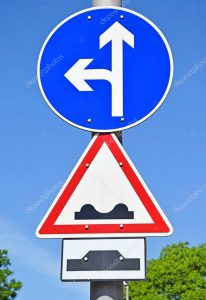 depositphotos_73849321-stock-photo-arrow-and-bad-road-traffic